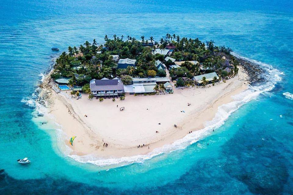 Beachcomber Island Resort Fiji, Surfing Fiji